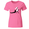 Bride Hunts The Groom With A Gun Frauen T-Shirt